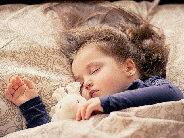 piżama dla dziecka - jaka powinna być?